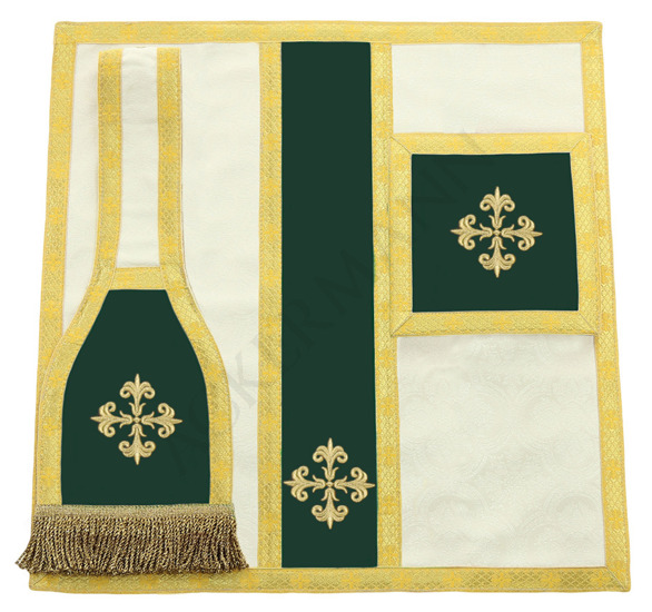Roman Chasuble Heart of Jesus model 773